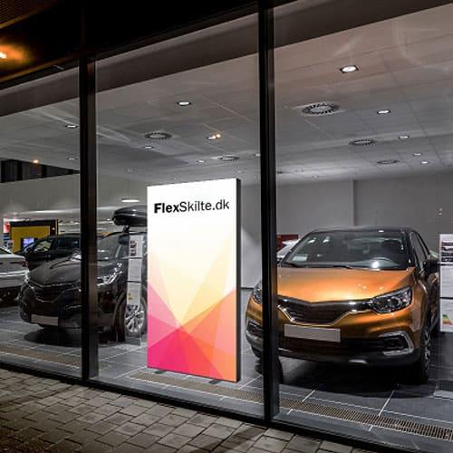 Reklameskilt til bil showroom